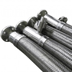 Vacuum insulate stainless steel hose